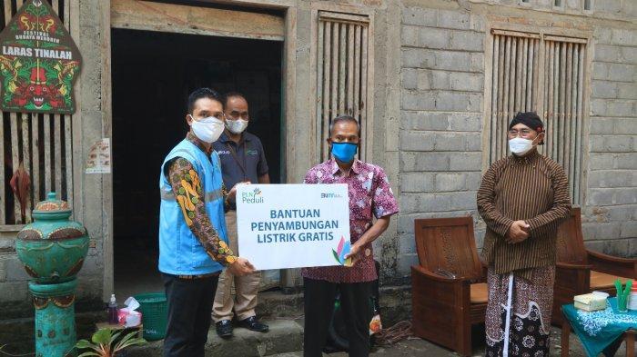 PLN Sambung Listrik Gratis di Kulon Progo