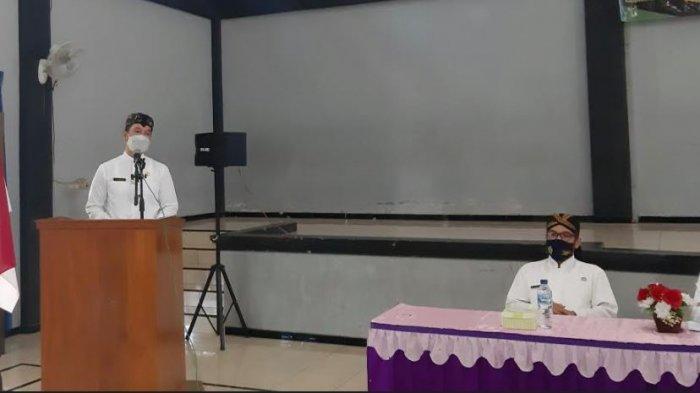 Plt Bupati Kudus HM Hartopo saat menghadiri acara di Balaidesa Karangbener, Kecamatan Bae, Kabupaten Kudus, Selasa, (23/2/2021).