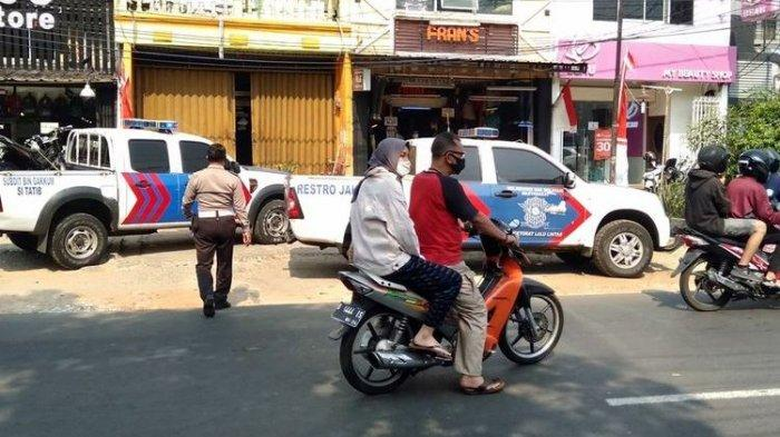 Polisi Cek Lokasi Diduga Kecelakaan Anggota TNI yang Disebut Awal Pembakaran Polsek Ciracas