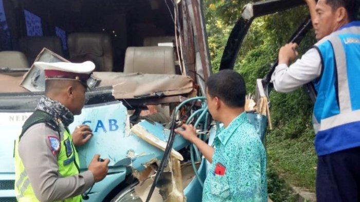 Kecelakaan di Tol Jatingaleh-Tembalang Semarang, Bus Hantam Truk, 7 Orang Luka-luka