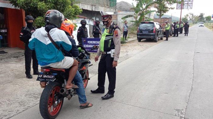 AKBP Cristian Tobing Instruksikan Polisi Cegat Demonstran Wonogiri Tujuan Klaten Aksi Ganyang PKI