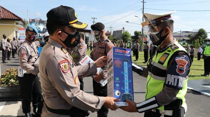 Anggota Polres Kebumen Dibekali Tas P3C, Seluruh Ruangan Disterilisasi Menggunakan Sinar UVC