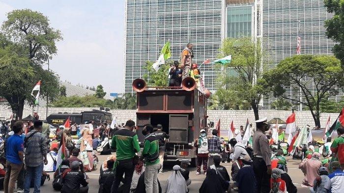 Seorang Demonstran di Dekat Istana Negara Ditangkap karena Bawa Senjata Tajam