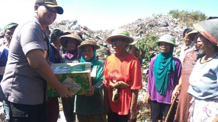 Polres Salatiga Bagikan Ratusan Paket Sembako ke Pemulung