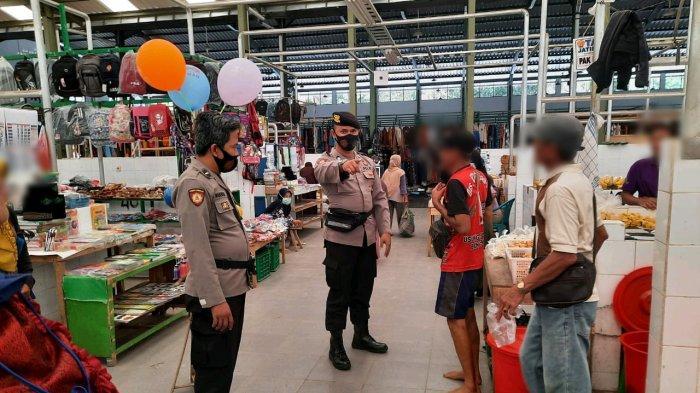 Polisi Masih Temukan Banyak Warga yang Tak Pakai Masker di Pasar Puring Kebumen