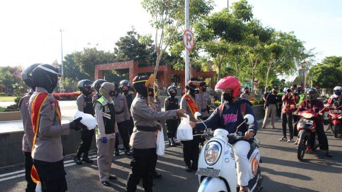 Peringati Hari Kartini, Kapolres Pati Ajak Polwan Bagikan Ratusan Paket Takjil dan Sembako