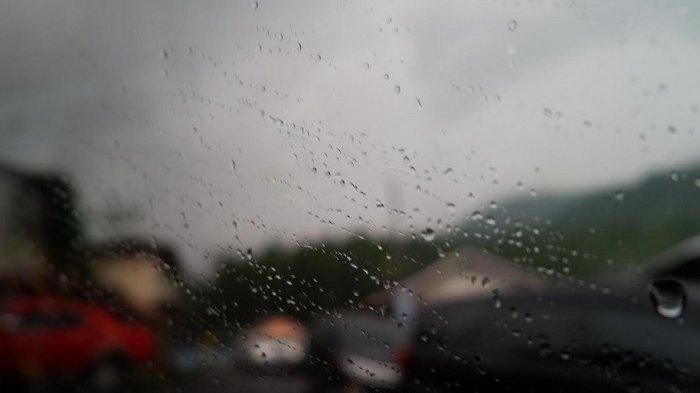 Prakiraan cuaca hujan