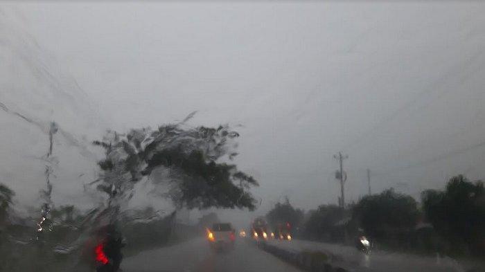 Waspada Hujan Ringan dan Lebat Sebagian Wilayah Tegal Raya Pada Sore hingga Malam Ini
