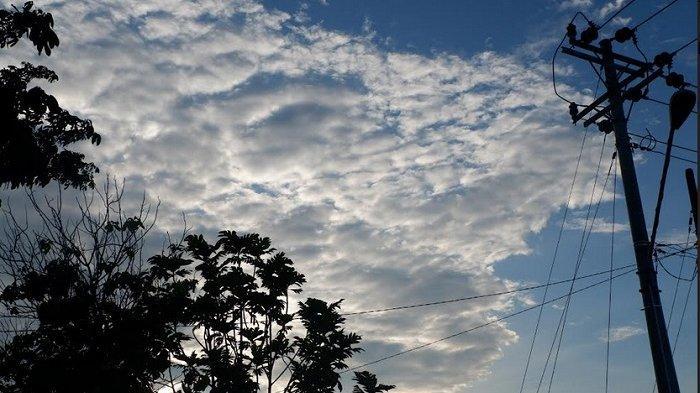 Waspada Hujan Petir di Sebagian Wilayah Kabupaten Tegal Pada Siang Hari, Rabu (12/2)