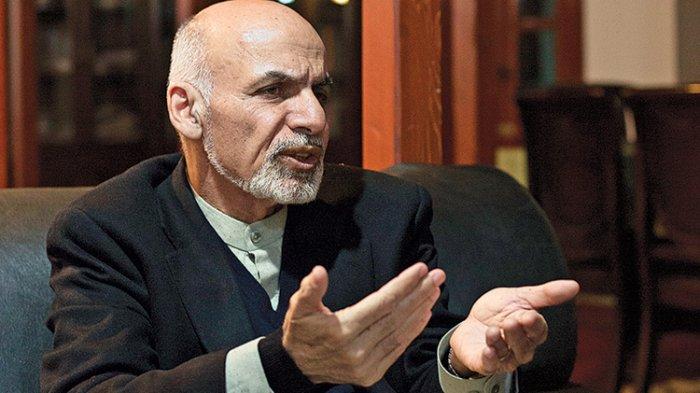 Tinggalkan Rakyatnya, Presiden Afghanistan Mengungsi dengan Helikopter Penuh Uangdan 4 Mobil