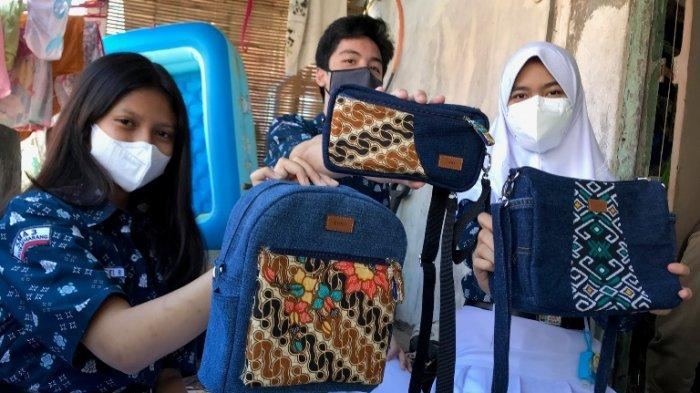 KISAH INSPIRATIF: Pelajar SMAN 3 Semarang Ini Memproduksi Tas Berbahan Jean Bekas
