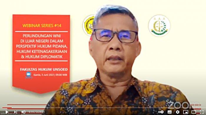 FH Unsoed Purwokerto Bahas Perlindungan WNI di Luar Negeri Dalam Webinar