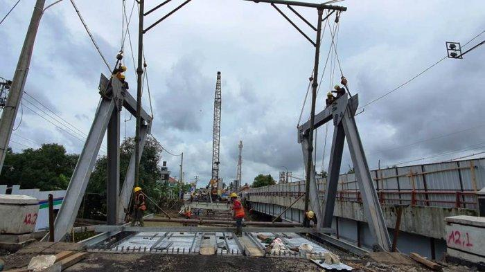 Progres perbaikan Jembatan Rembun Pekalongan-Pemalang yang amblas pada Kamis (4/2/2021), sudah mencapai 32 persen.