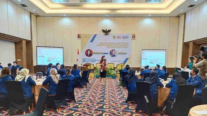 Prosesi Kuliah Umum Mahasiswa Baru Prodi Pariwisata USM di Hotel Grasia Semarang, pada Selasa (12/10)