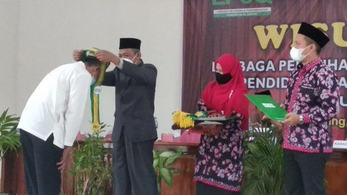 Prosesi wisuda 481 pengajar LPQ se Kota Semarang usai mengikuti pelatihan selama dua bulan di Aula Kantor Kecamatan Pedurungan, Minggu (30/5/2021).