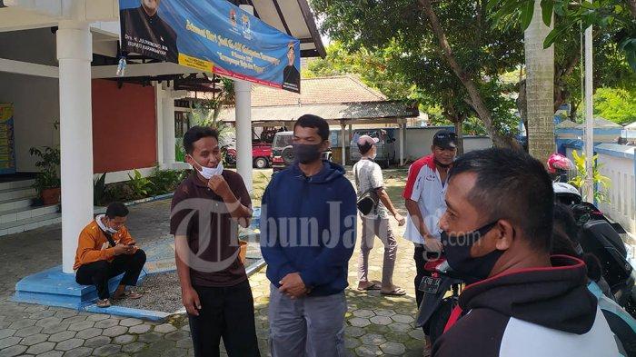 Belasan Warga Protes Aroma Busuk Peternakan Babi di Karanganyar