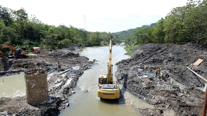 Kontraktor Proyek Jembatan Kaca Tinjomoyo Semarang Tidak Serius Kerja