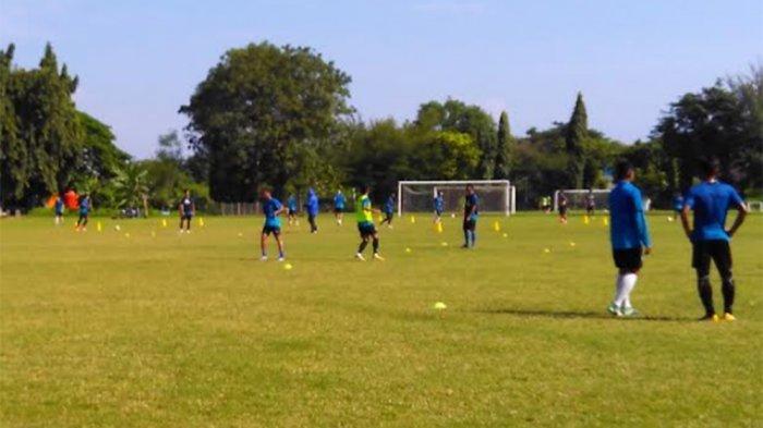 Conteh Nggak Ikut Latihan PSIS di Lapangan Terang Bangsa (Video)