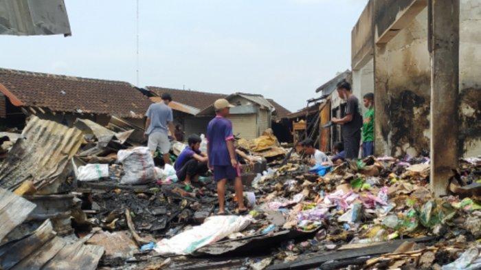 Pasar Janglot Tangen Sragen Terbakar Satu Pekan Silam, Belum Bisa Direvitalisasi Hingga Tahun Depan