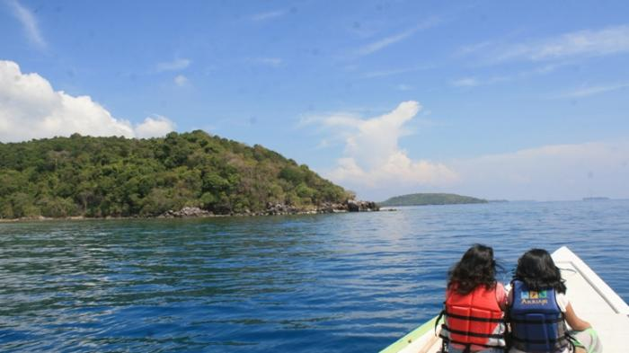 Pulau Cilik Karimunjawa Nan Elok Bikin Kangen Wisatawan