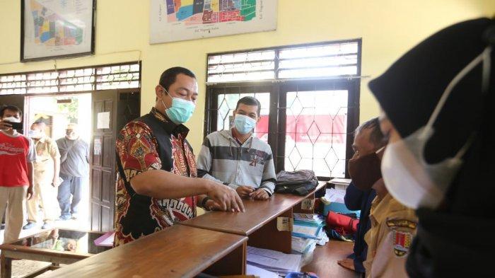 PNS Kelurahan Muktiharjo Kidul Semarang Pungli Rp 300 Ribu: Ditegur Malah Senyum-senyum