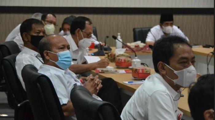 Sejumlah pejabat di lingkungan Pemkab Purbalingga, saat mengikuti Rakor (virtual) Pemberantasan Tindak Pidana Korupsi bersama KPK, Rabu (8/9/2021).