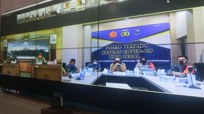 Rapat koordinasi Penanganan Covid-19 secara virtual bersama Gubernur Jawa Tengah Ganjar Pranowo, Senin (5/7/2021).