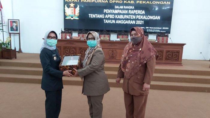 DPRD Kabupaten Pekalongan menggelar Raperda tentang Anggaran Pendapatan dan Belanja Daerah (APBD) Kabupaten Pekalongan tahun anggaran 2021.