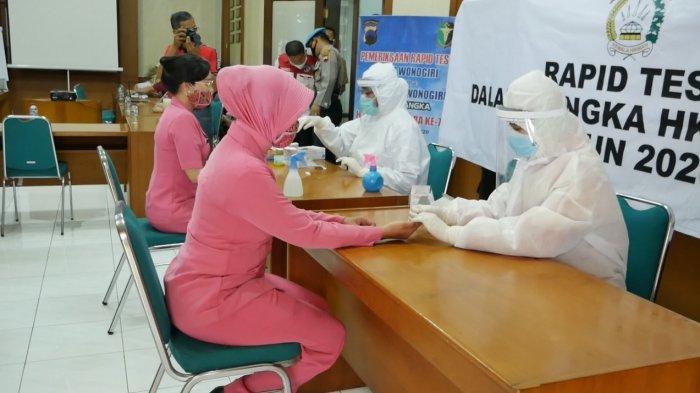 Peringati HUT ke-74 Bhayangkara, Polres Wonogiri Gelar Rapid Test Massal Karyawan Pabrik