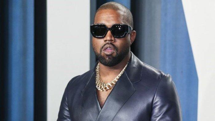 Kanye West Dirawat di Rumah Sakit gara-gara Terlalu Banyak Ketik Pesan di Ponsel