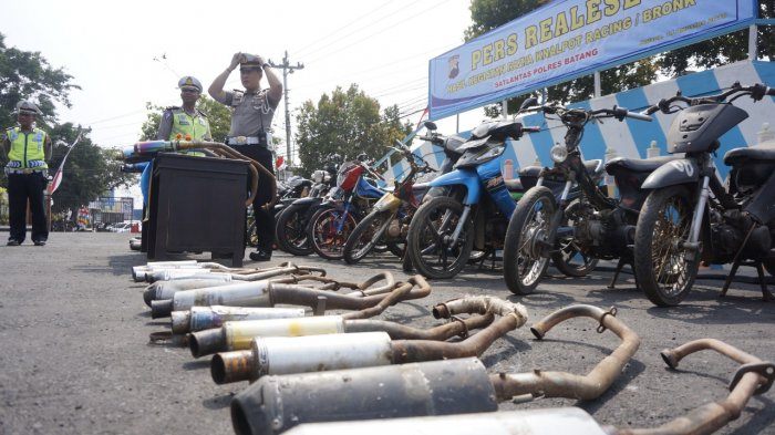 Hotline Semarang : Tindak Tegas Pengemudi Motor Knalpot Brong!
