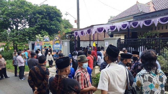 Nunung Tewas Kecelakaan di Tol Sragen, Pelayat Datangi Rumah Duka Waka DPRD Kabupaten Pekalongan