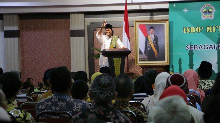 Gus Muwafiq Singgung Pernyataan Amien Rais Soal People Power : Jangan Ngaku Umat Rasul Jika. . .