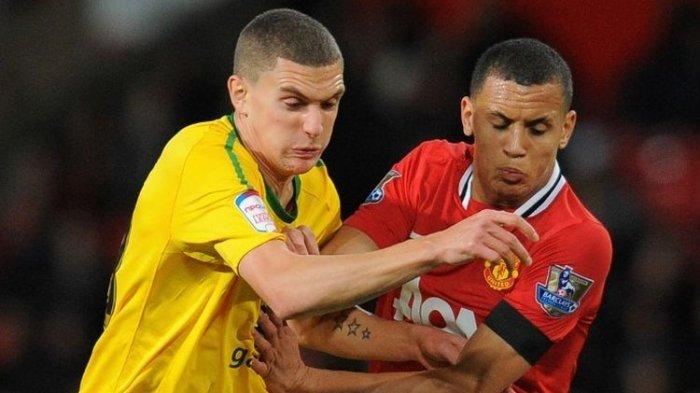 Mantan Pemain Manchester United Ini Mengaku Pernah Curi Sepatu demi Beri Makan Keluarga