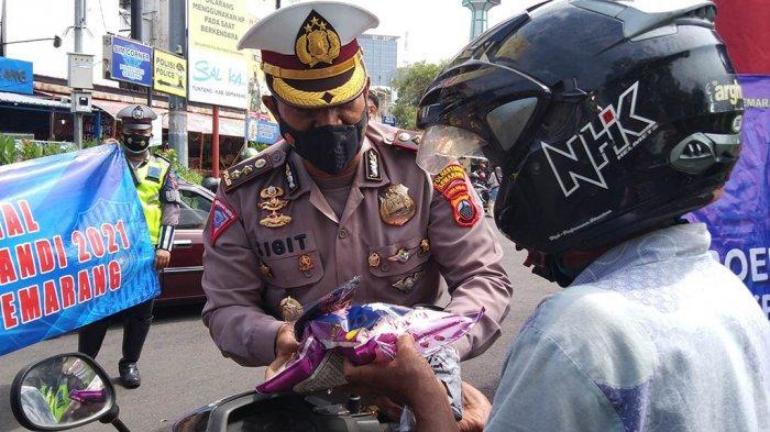 Polisi Bikin Cegatan di Simpanglima Semarang, Bawa Sembako Bukan Surat Tilang