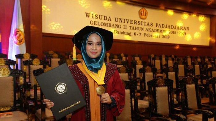 Skripsi #2019GantiPresiden Antar Regita Jadi Lulusan Terbaik Unpad dengan IPK 4, Simak Penuturannya