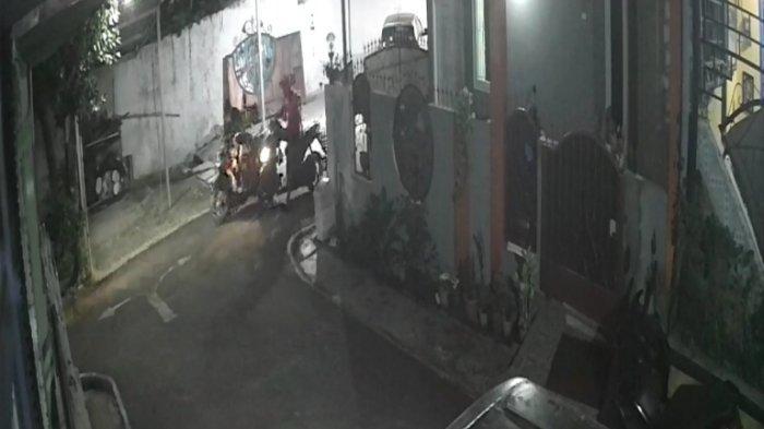 Aksi Pelaku Curanmor di Purwokerto Terekam CCTV, Motor Terparkir Tanpa Dikunci Stang
