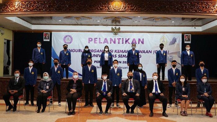 Rektor USM Semarang Lantik Pengurus Organisasi Kemahasiswaan