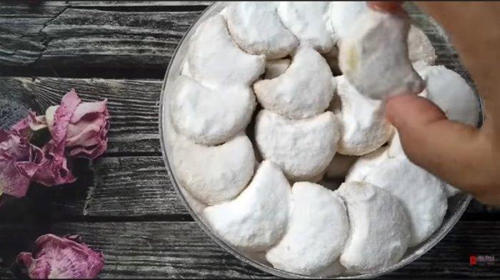 Resep Kue Putri Salju Tanpa Mixer dan Oven Praktis Membuatnya