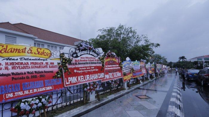 Warga Semarang Ramai Kirim Karangan Bunga Untuk Hendi