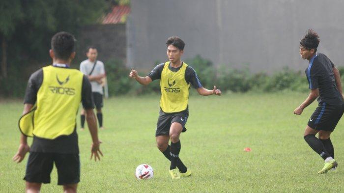Pemain PSIS Asal Pati Riyan Ardiansyah Antusias Menatap Latihan Perdana Tim Mahesa Jenar