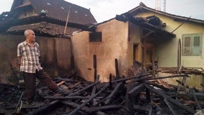 Ditinggal Pemiliknya Anjangsana ke Rumah Saudara, Workshop Barang Antik di Karanganyar Terbakar