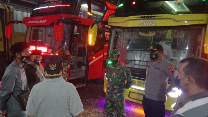 Rombongan Ziarah di Purbalingga Menolak Jalani Rapid Antigen, Petugas Kejar dan Hadang Bus