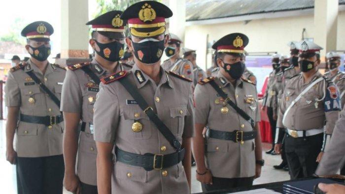 Kepolisian Resor Demak merotasi sejumlah perwira menengah dan perwira pertama. Wakapolres, Kasatlantas, dan tiga Kapolsek diganti.
