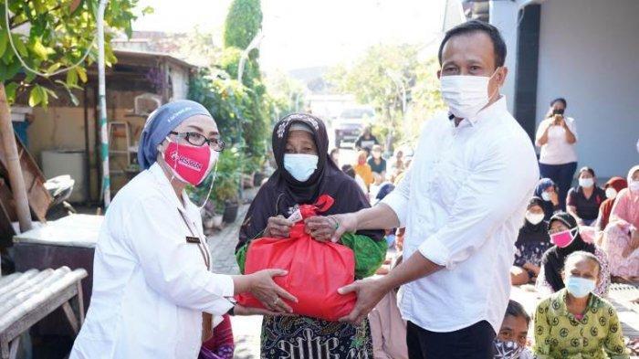 Nakes dan Pegawai RSUD KRMT Wongsonegoro Semarang Patungan Beli Sembako bagi Warga Terdampak PPKM
