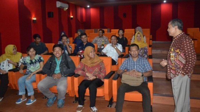 FIS Unnes Miliki Wisata Edukasi yang Eksotik, Gedung Bioskop Mini