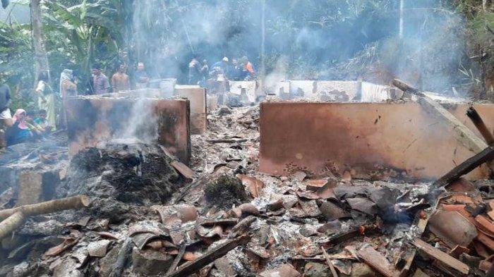 Anak Durhaka di Tasikmalaya, Ajak Duel Ayah, Bakar Rumah Orangtua Lalu Rusak Mushala