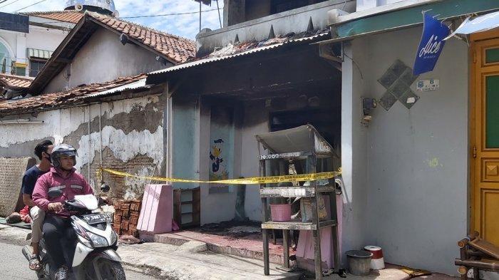 Anak Mainan Korek Api Saat Ibu Tuangkan Bensin, Rumah di Tegal Terbakar