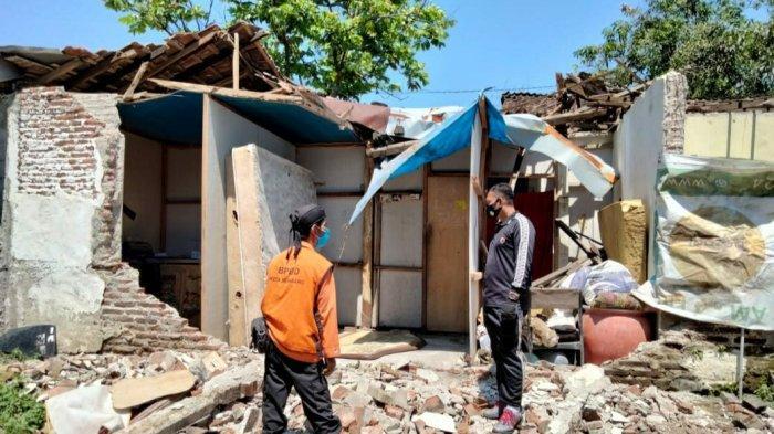 Rumah Daniel Porak Poranda saat Angin Kencang di Gunungpati