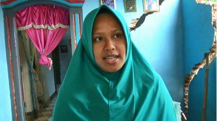 Astuti Diteror Ketakutan Tip Hari, Rumahnya Hampir Rubuh Karena Pergerakan Tanah di Desa Majakerta